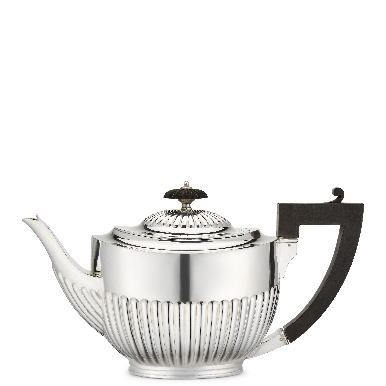Medium size silver teapot - Silverware - The Wosleley Shop